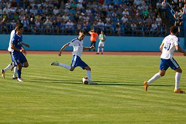 устойчивые к нагрузкам газоны футбольных полей